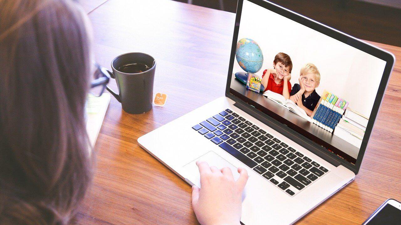 Dowiedz się, jak tworzyć profesjonalne treści w internecie!